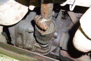 ВАЗ 2114 2109 потёк сальник штока выбора передач