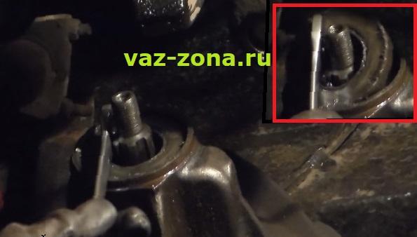 как достать сальник редуктора ваз 2107 2106